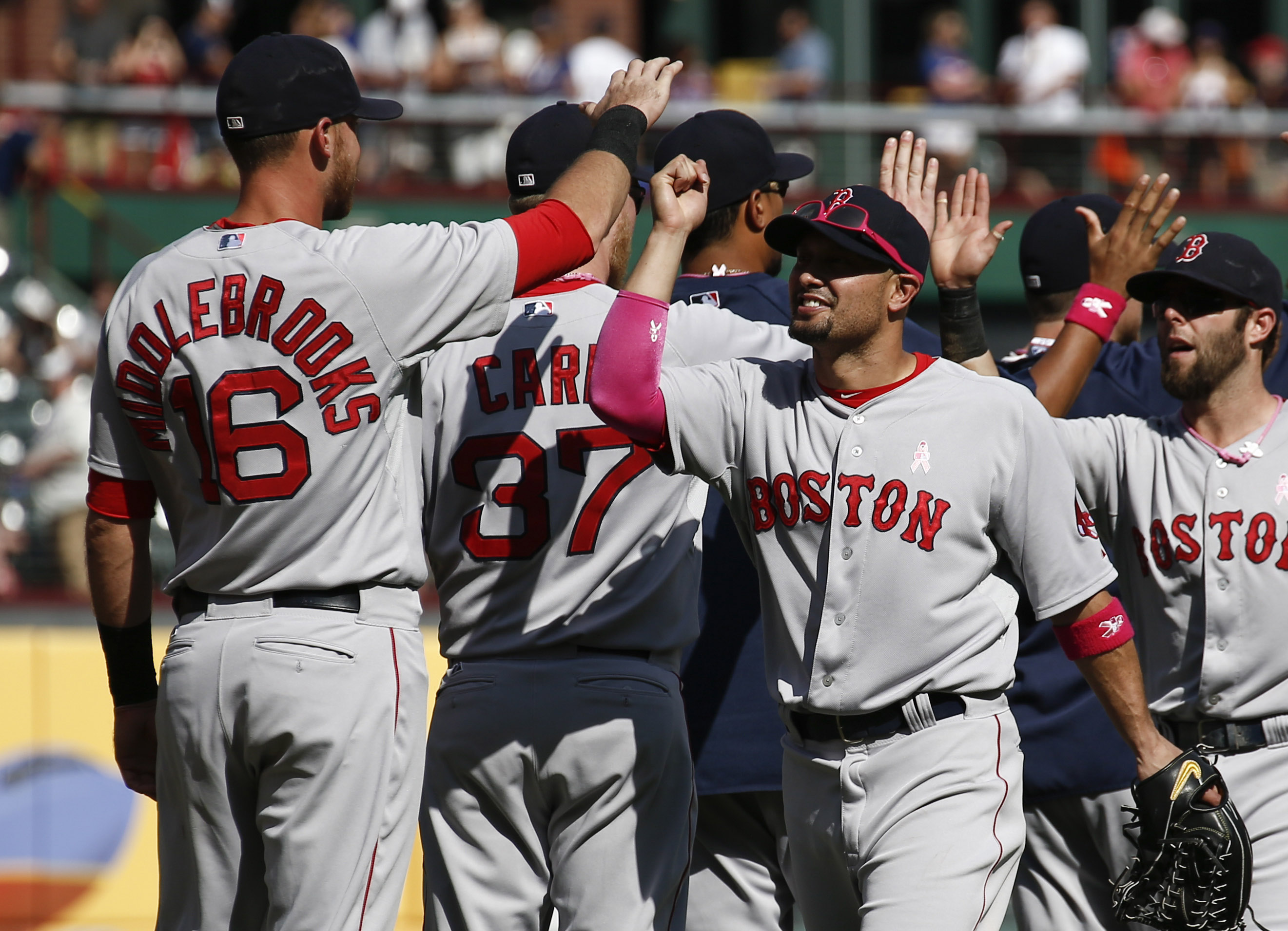 2014-05-11T222407Z_2107130430_NOCID_RTRMADP_3_MLB-BOSTON-RED-SOX-AT-TEXAS-RANGERS.jpg