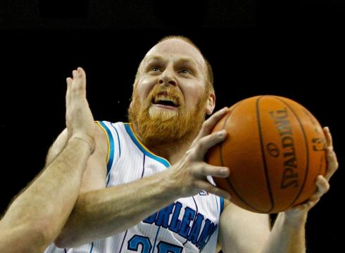 http://www.boston.com/sports/basketball/celtics/extras/celtics_blog/New-Hornets-center-Chris-Kaman-loves-to-hunt-K9Q35EP-x-large.jpg