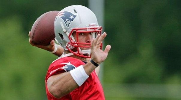 Tebow Pass (AP).jpg