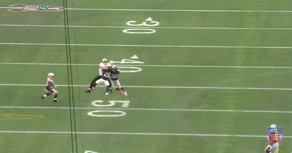 jimm graham double covered by arrington and mccourty.png