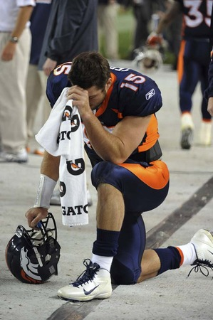 tebowing-tebow.jpg