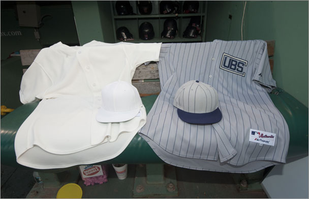 brand new 20123 ab9b7 Here's what the Red Sox and Cubs throwback jerseys look like ...