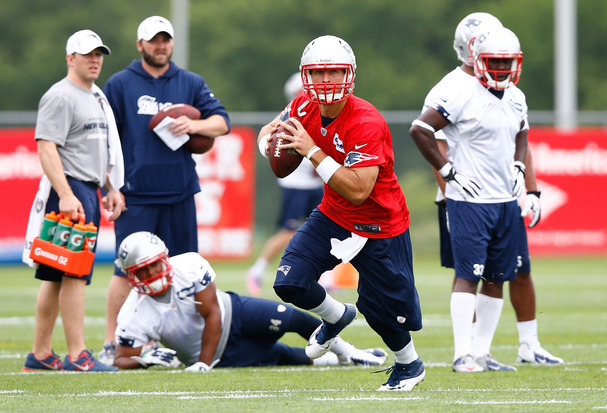 Practice Report: Tim Tebow mostly a spectator at first Patriots…