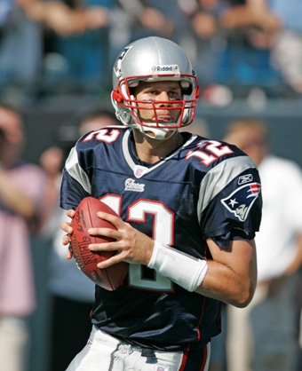 tom brady patriots super bowl. Brady had a $5 million base salary in 2009 and is scheduled to have a base of $3.5 million in 2010. That means, if the Patriots rip up Brady#39;s deal now and