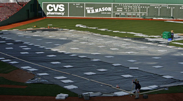 Winter Classic sets up at Fenway