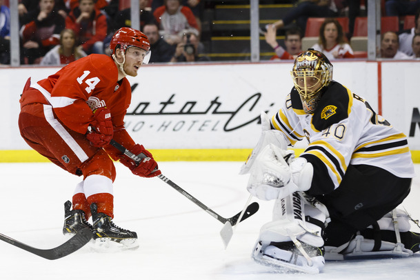 2014-04-03T030011Z_838723838_NOCID_RTRMADP_3_NHL-BOSTON-BRUINS-AT-DETROIT-RED-WINGS.jpg