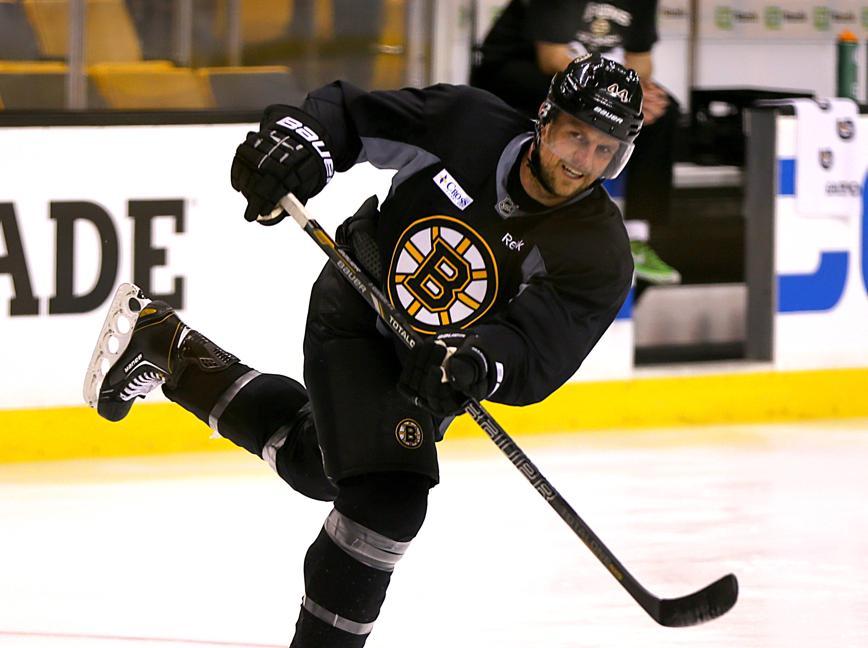 tlumacki_bostonbruinspractice_sports1133.jpg