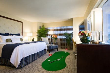 Crowne%20Plaza%20Times%20Square%20Golf%20Room.jpg
