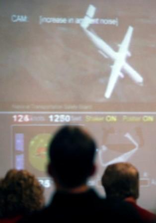 Plane Into Home NTSB.jpg