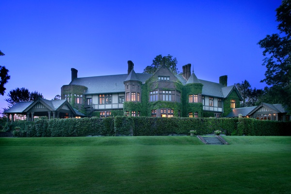 New england hotels resorts rank high on conde nast gold for Top luxury hotels uk