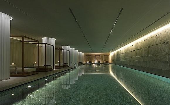 Dramatic Designs Bulgari Hotel London 39 S Glass Mosaic Pool Pack Up