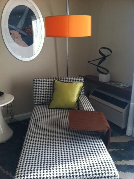 revere-guestroom-chaise.JPG