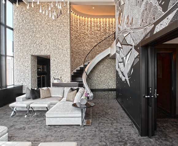 Champagne Suite (4).jpg