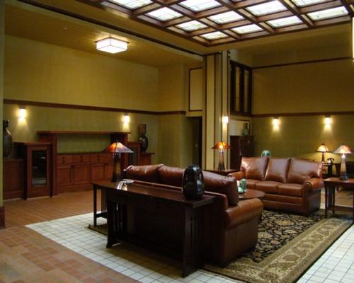 Frank Lloyd Wright Hotel Reopens In Iowa