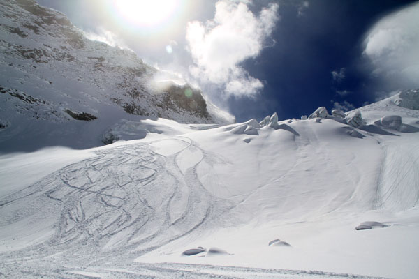 saas-fee-glacier-powder.jpg