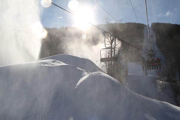 snowmaking_sundayriver.jpg